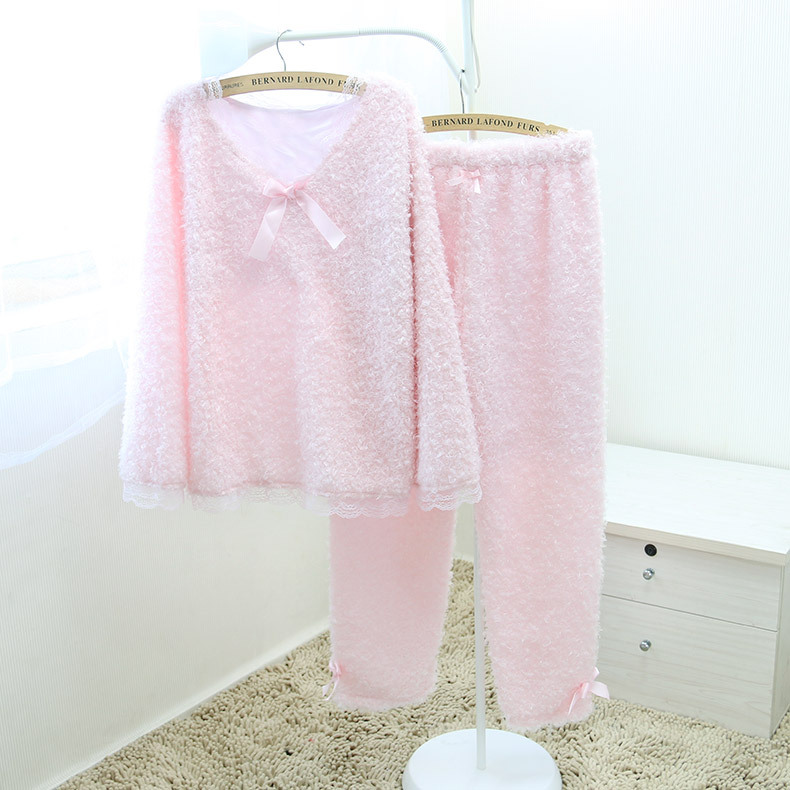 ชุดนอนญี่ปุ่นผ้ากำมะหยี่ แขนยาว ขายาว สีชมพู