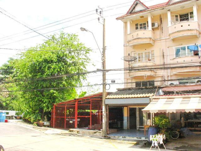 H788 ขายอาคารพาณิชย์ 3ชั้น 22 ตร.วา ม.เมืองทรัพย์ธานี ถนนเลียบคลองสอง 25 3นอน 2น้ำ 1ครัว ได้เนื้อที่ด้านข้างเพิ่ม ทำเลดี