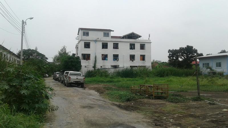 H628 ขายอพาร์ทเม้นท์ 4ชั้น 35ห้อง เนื้อที่ 102ตร.วา อยู่ซอยรามอินทรา117 (ซอยเจริญพัฒนา9) คนเช่าเต็มทุกห้อง รายได้รวม 60,000 บาท