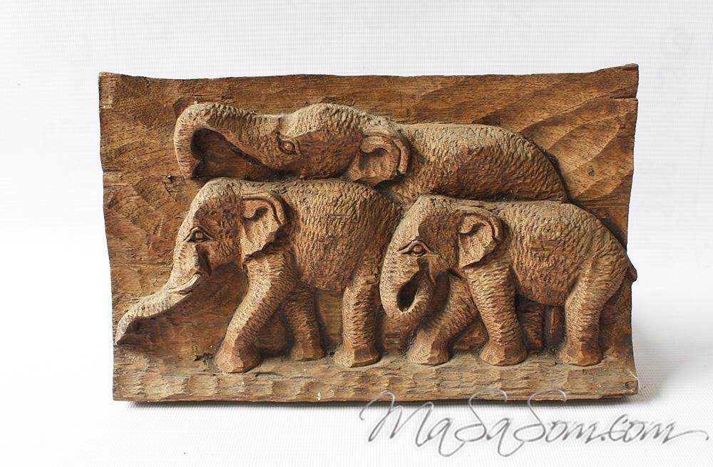ช้างไม้สักแกะสลัก