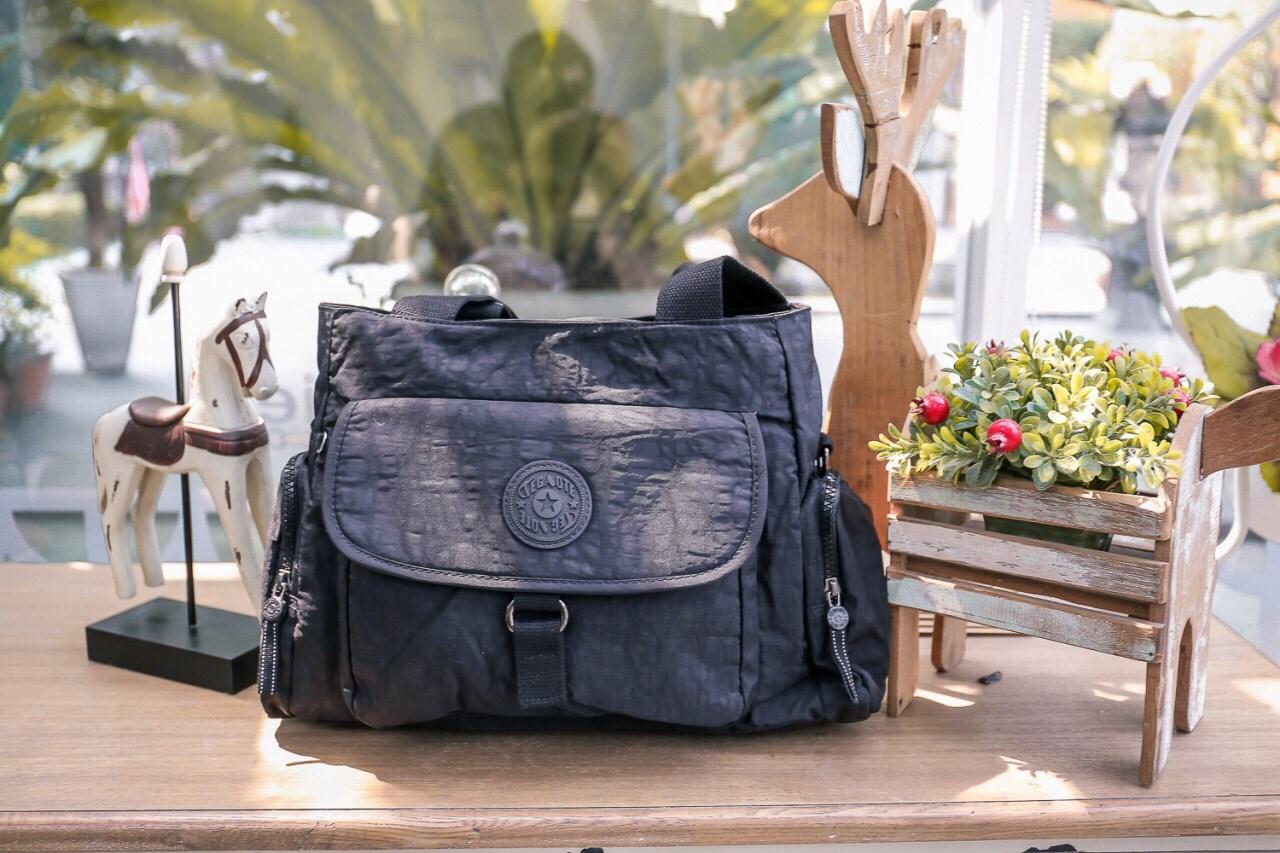 กระเป๋าถือ + สะพายถอดได้ สีดำ