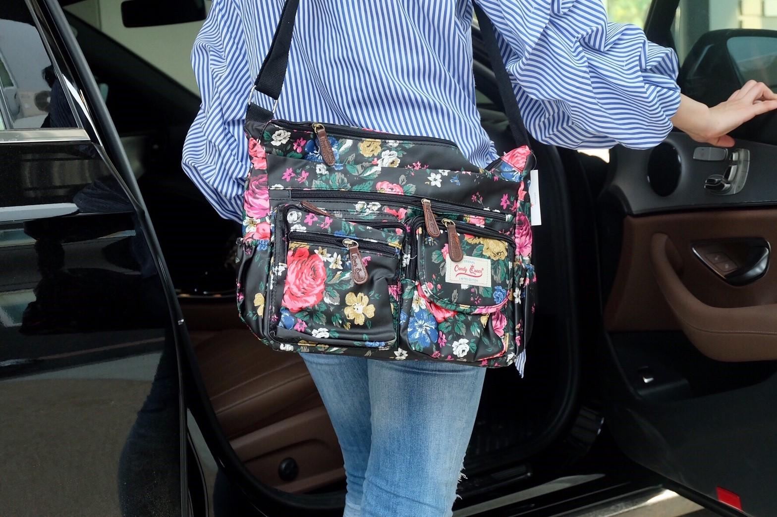 กระเป๋าสะพาย Candy Queen