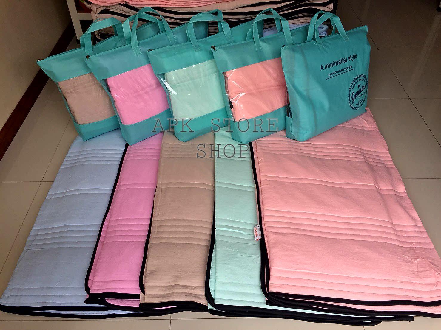 ขายส่ง ผ้าห่มนวมบาง สีพื้น-กุ๊นขอบดำ ส่ง 260 บาท