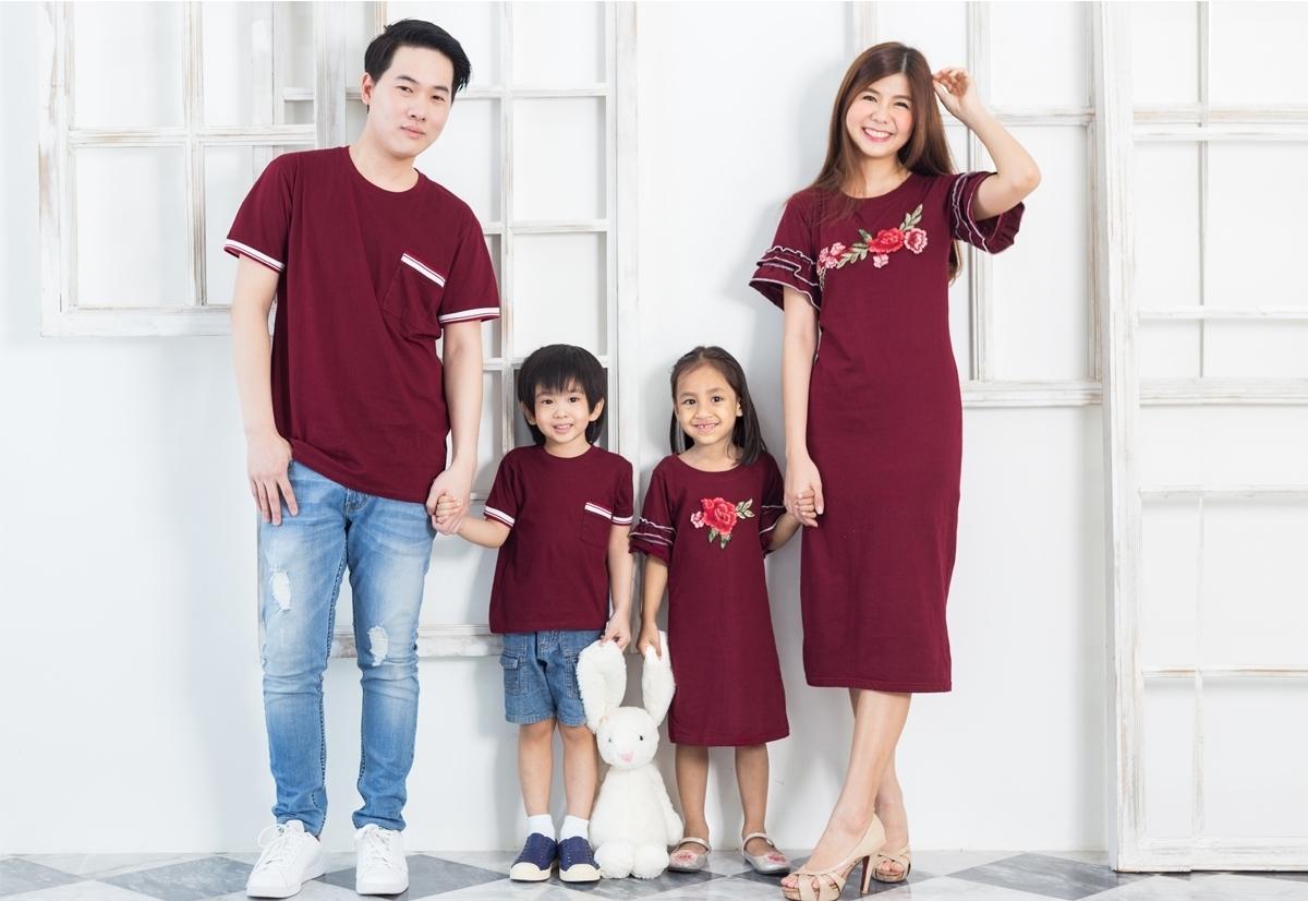 เสื้อครอบครัว ชุดครอบครัว พ่อ แม่ ลูก Flower Love set