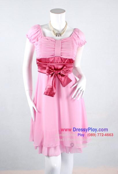 an917 - เดรสไปงานแต่ง ผ้าซีฟองสีชมพู แขนตุ๊กตา จับย่นช่วงอก ใต้อกผูกแต่งโบว์ด้วยผ้าซาตินสีชมพู ชายระบาย 2 ชั้น ซับในทั้งตัว สวยๆน่ารักๆหวานๆค่ะ