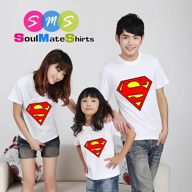 เสื้อครอบครัว ชุดครอบครัว เสื้อ พ่อ แม่ ลูก ลาย ซุปเปอร์แมน สีขาว ผลิตจากผ้าคอตตอน 100%