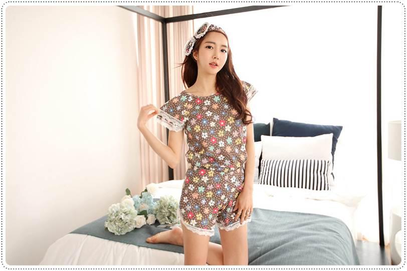 ชุดนอนเกาหลีลายดอกไม้ แขนสั้น-ขาสั้น