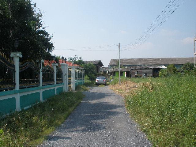 H478 ที่ดิน 121 ตร.วา อยู่ถนนสุวินทวงศ์ ซอย7 แยก3 ที่สวยถมแล้ว ห่างถนนสุวินทวงศ์ 700 เมตร เหมาะปลูกบ้าน