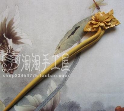 ปิ่นปักผมไม้มะฮอกกานี แกะสลักลายดอกไม้