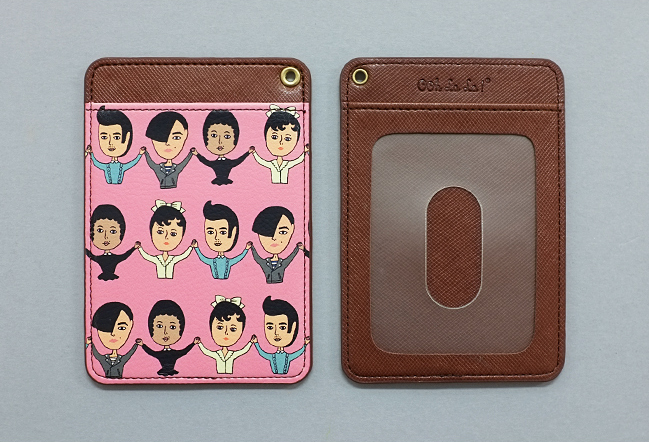HAND IN HAND CARD POCKET