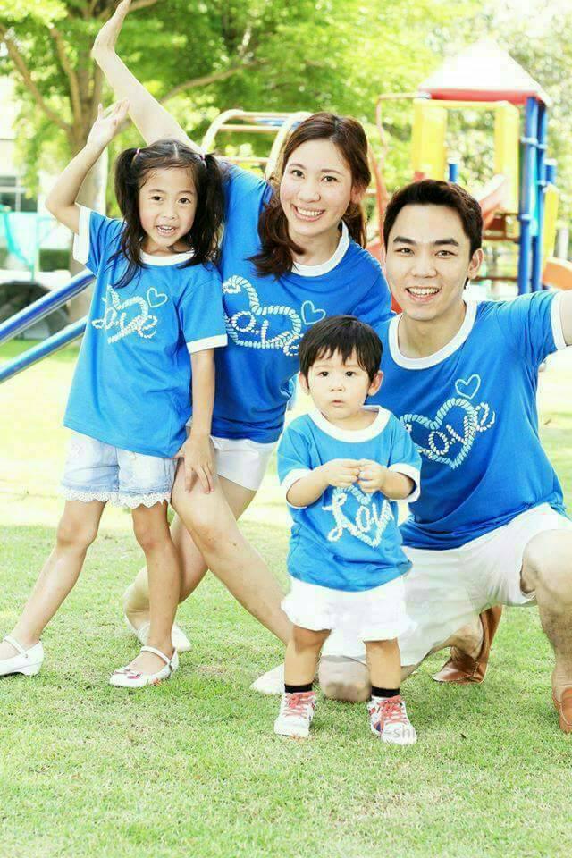 เสื้อครอบครัว ชุดครอบครัว ผ้าเนื้อนิ่ม มาครบ พ่อ แม่ ลูกสาว ลูกชาย : Say Love to MOM