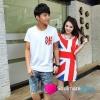 เสื้อคู่ เสื้อคู่รัก ชุดพรีเวดดิ้ง ชุดคู่รัก เสื้อคู่รักเกาหลี เสื้อผ้าแฟชั่น ผู้ชาย เสื้อยืดคอกลมสีขาว + ผู้หญิง เดรสแขนสั้นสีขาว สกรีนลายธรงชาติ สีสดเหมาะสำหรับใส่เที่ยวทะเล เดินเล่นวันชิว ชิว ถ่ายพรีเวดดิ้ง
