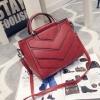 กระเป๋าแฟชั่น สีแดง