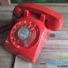 โทรศัพท์แบบแป้นหมุนสีแดง