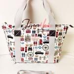 กระเป๋า Chalita wu + สะพาย สีขาว ลายลอนดอน