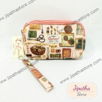 กระเป๋าคล้องมือ Chalita wu สีชมพู ลายวินเทจ
