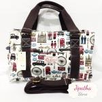 กระเป๋า Chalita wu + สายสะพาย 3 ซิป สีขาว ลายลอนดอน