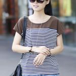 เสื้อแฟชั่นเกาหลี เสื้อยืดลายทางแฟชั่น แฟชั่นกับสมัยนี้ด้วยลายทาง สีน้้ำเงินตัดขาว และสีเขียวตัดขาว