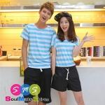 เสื้อคู่ เสื้อคู่รัก ชุดพรีเวดดิ้ง ชุดคู่รัก เสื้อคู่รักเกาหลี เสื้อผ้าแฟชั่น ผู้ชายเป็นเสื้อคอกลมลายขวาง ฟ้า-ขาว+ กางเกง ผู้หญิงเป็นจั๊มสูทขาสั้น