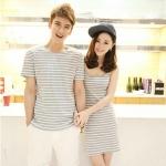 ชุดคู่ เสื้อคู่ เสื้อคู่รัก ชุดพรีเวดดิ้ง ชุดคู่รัก เสื้อคู่รักเกาหลี เสื้อผ้าแฟชั่น ผู้ชาย เป็นเสื้อคอกลม สีเทาลายขาว ผ้าหนา เนื้อนิ่ม สวยมากคะ ผู้หญิง เป็นเดรสสายเดี่ยว ลายสีเทาขาว  สวยงามมากๆคะ