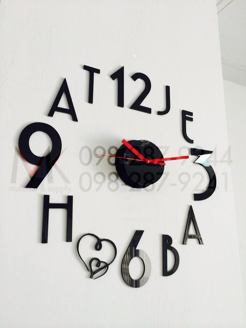 นาฬิกาอะคริลิค