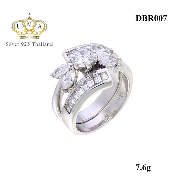 แหวนคู่ ประดับเพชรCZ แหวนดอกไม้ สแตคแบบซ้อน 2 ดูมีสไตล์เก๋ไปอีกแบบน๊า เพื่อให้เราไม่เอาท์ เพื่อไม่ให้เป็นการตกเทรนด์