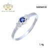 แหวนทองคำขาว ประดับเพชร CZ แหวนพลอยรูปทรงกลมเหลี่ยมเกสรสีน้ำเงิน ดีไซน์หรูหรา ระดับไฮโซ ดีไซน์แหวนแบบนี้ นิ้วที่บอกว่าไม่สวยๆ ใส่แล้วสวยโดดเลยคะ