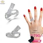 แหวนเพชรผู้ชาย ประดับเพชรCZ แหวนเพชรเรียงแถว บ่าฉลุโปร่ง ออกแบบเก๋ไก๋แปลกตา ให้ลุคเท่สุดๆประทับใจผู้พบเห็น