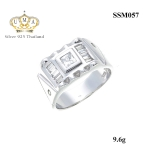 แหวนผู้ชาย ประดับเพชรCZ ดีไซน์ทันสมัย ใส่ได้ทุกวัน และได้เลือกใช้วัสดุอย่างดีมาผลิต เพื่อให้ได้แหวนที่มีคุณภาพ สวมใส่สบาย เพื่อให้คุณสามารถเดินอย่างมั่นใจ พร้อมไอเท็มโดดเด่นที่นิ้วของคุณ